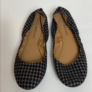 Lucky Brand Black & Gray Houndstooth Flats